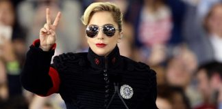 Lady Gaga holds protest in front of Trump Tower (Photos)