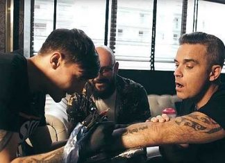 Robbie Williams and Louis Tomlinson ink matching tattoos (Photo)