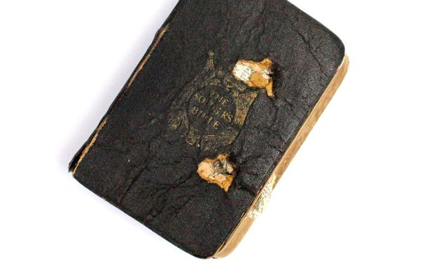 Bullet-ridden Bible 'saved First World War soldier's life', Report
