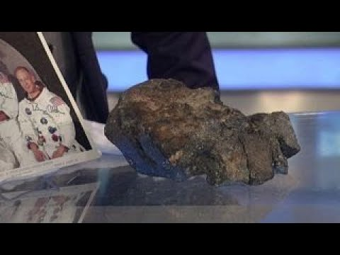 Chunk of moon that fell to Earth lands $600K at auction