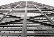 Elevator plummets 84 floors in Chicago skyscraper, Report