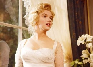 Marilyn Monroe Golden Globe breaking $250,000 at Hollywood auction