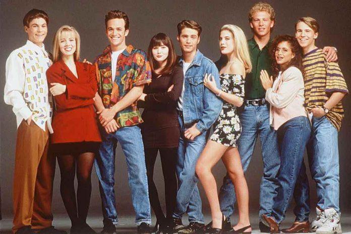 90210 reboot in works with original cast members, Report