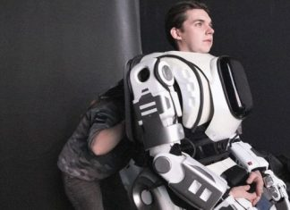 Russian Robot turns out to be man in suit