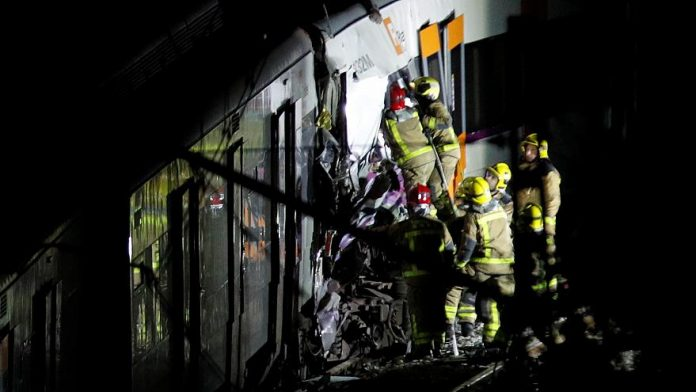 Barcelona train crash: One dead in suburban, Report