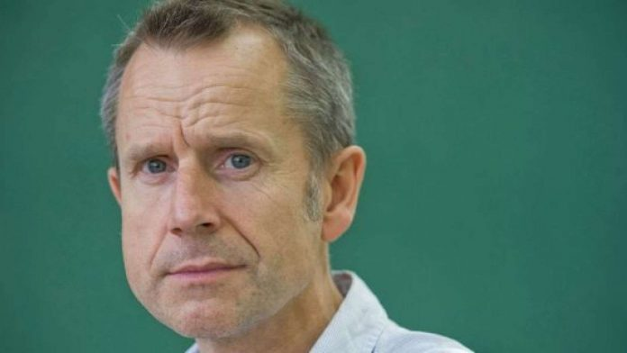 British comedian Jeremy Hardy dies of cancer aged 57