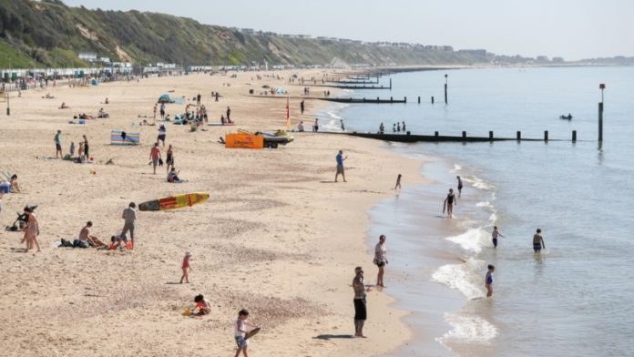 Hottest February day: Temperatures are 10 degrees higher