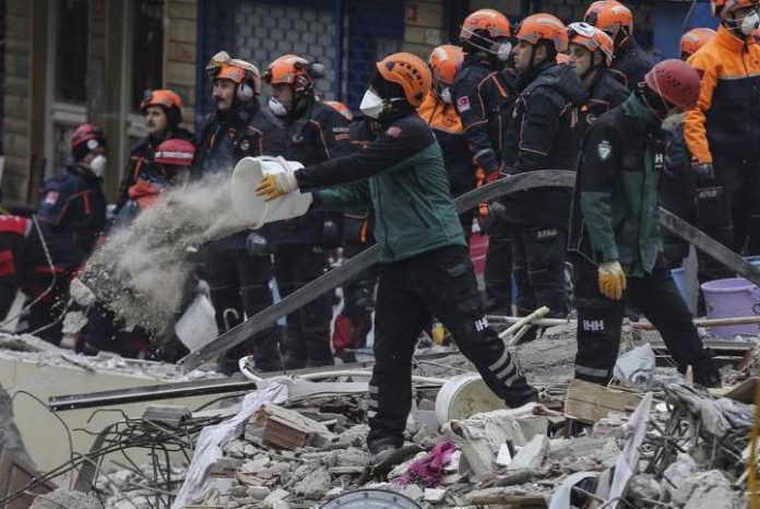 Istanbul building collapse: Teenager pulled alive from ruins, Report