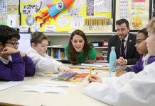 Kate encourages children to seek alternatives to social media use