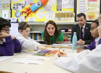 Kate encourages children to seek alternatives to social media use
