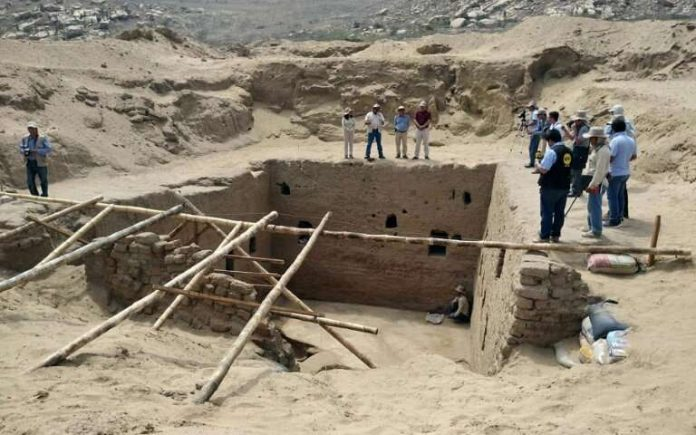 Scientists discover Incan tomb in Peru