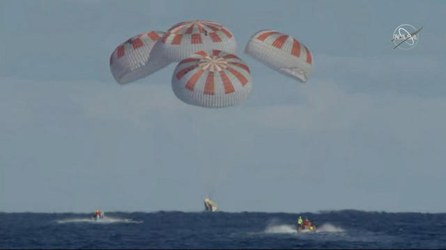 SpaceX 'Dragon' capsule headed back to Earth (Photo)