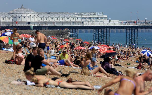 UK hottest spring: heatwave with 26C next month