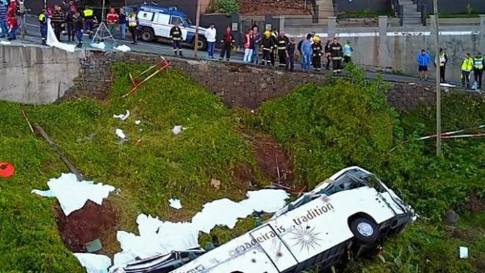 Madeira bus crash kills 29 tourists, Report