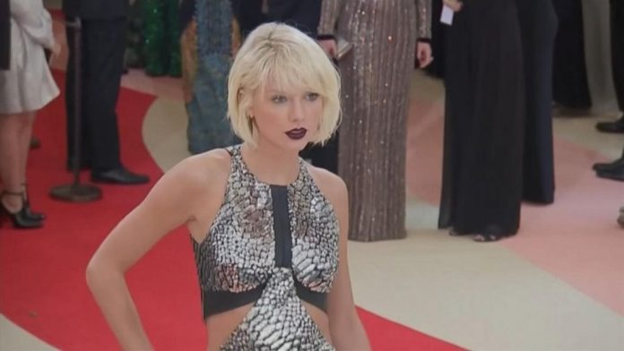 Taylor Swift Teases New Music In Cryptic Posts, Report