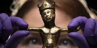 800-year-old Christ figure returns to York after two centuries (Photo)