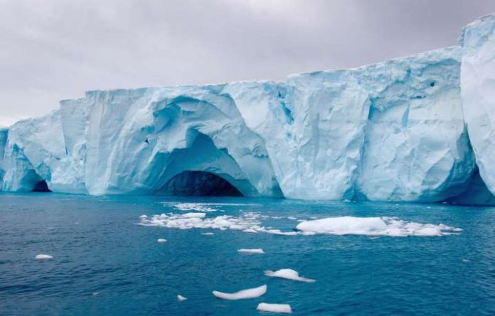 Antarctic ice shelves' 300 year predisposition to collapse, Report