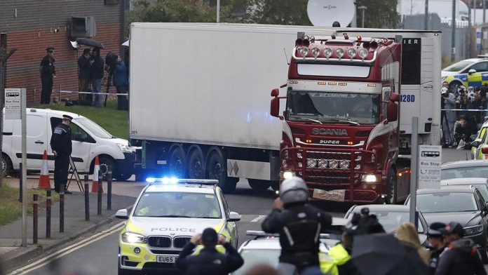 Essex lorry deaths: all 39 victims were Chinese nationals (Police)