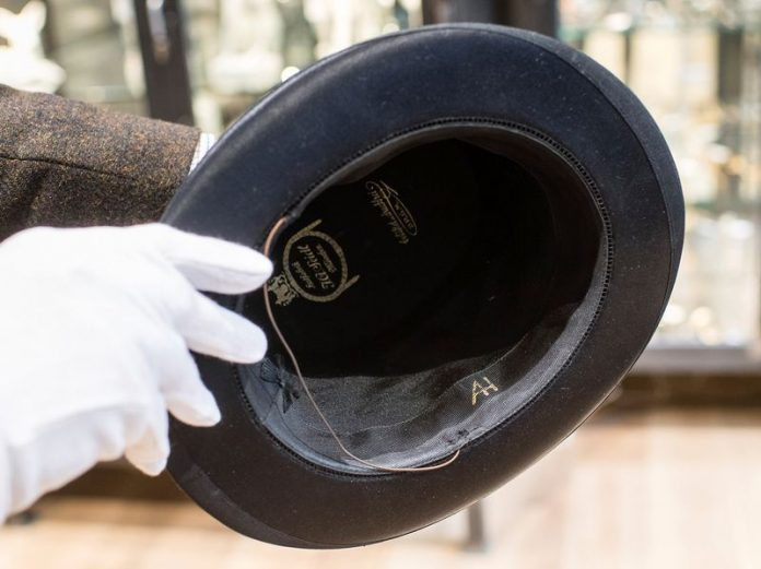 Man buys Hitler's top hat, Plans to Donate to Jewish Group