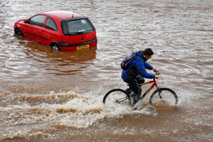 UK flood warnings: Fresh floods misery as River Avon bursts its banks