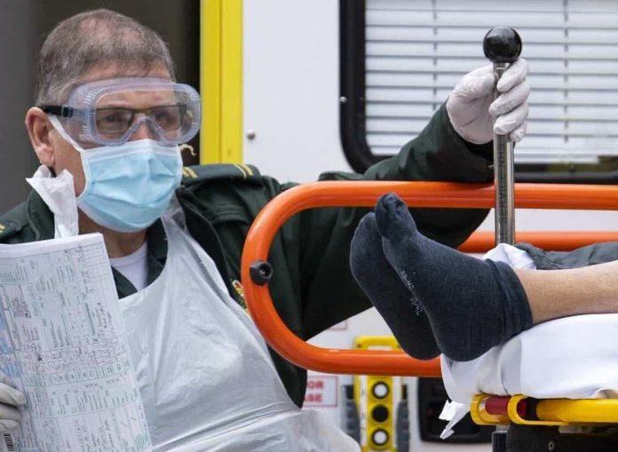 Coronavirus UK Update: Death toll rises by 569 to 2,961
