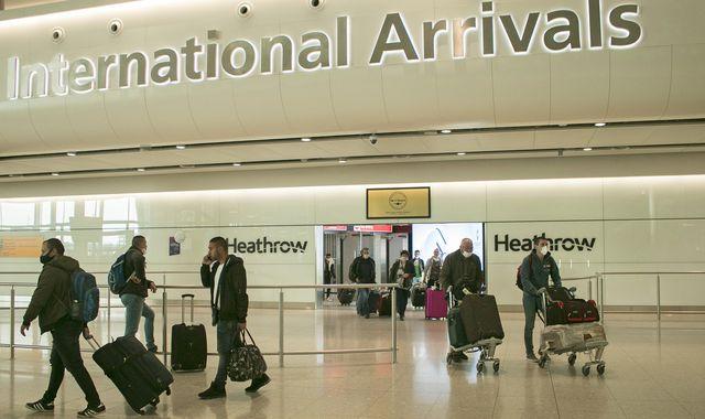 UK arrivals face £1000 fine if they break quarantine rules, Report