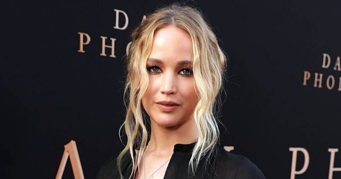 Jennifer Lawrence joins Twitter for a Good Cause, Report