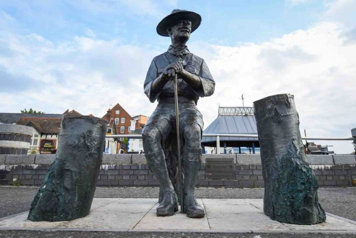 Robert Baden-Powell statue to be removed from Poole Quay