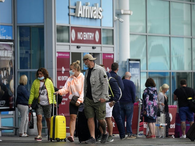 Coronavirus UK: Labour calls for more airport testing to minimise 'chaotic' quarantine measures