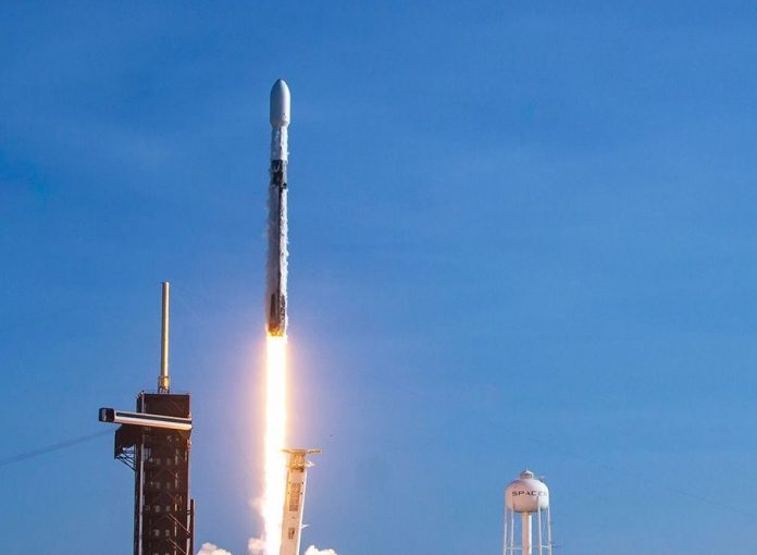 SpaceX wins contract to make US missile tracking satellites, Report