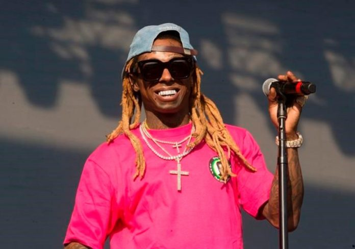 Rapper Lil Wayne charged with Felony Weapons Possession