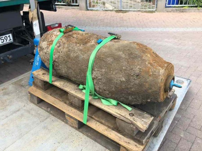 Mass evacuation in Frankfurt as WWII bomb is defused, Report