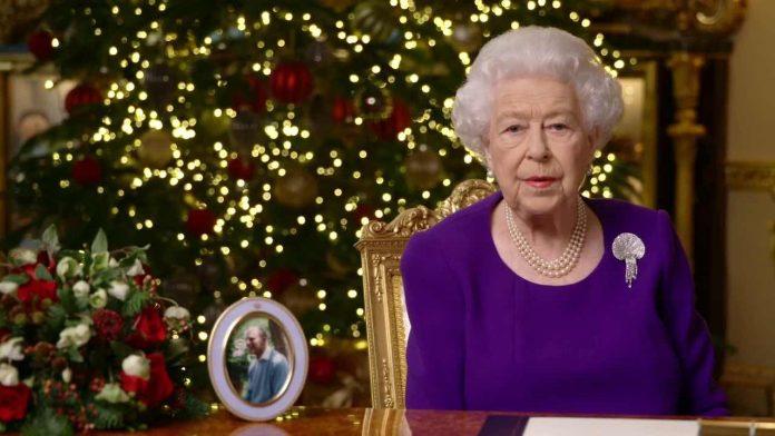 Queen's Christmas speech returns to top of TV ratings