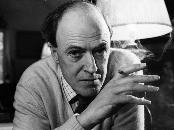 Roald Dahl's family apologises for his antisemitism, Report