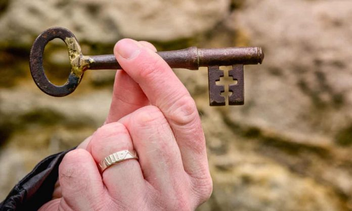 St Leonard's Tower key anonymously returned 50 years after it went missing, Report