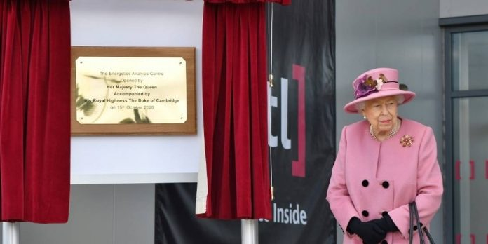 The Queen will 'wait in line' for the covid-19 vaccine, Report