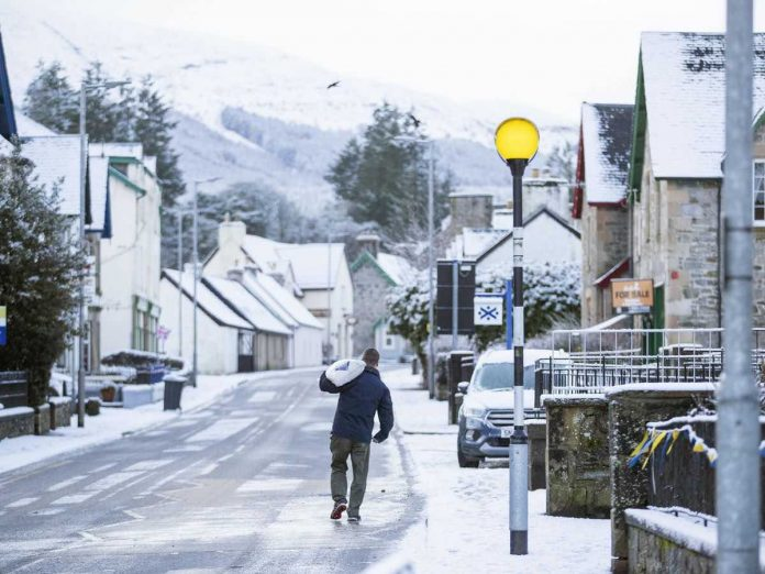 Weather: UK braced for cold snap as Storm Bella gives way to snow and ice warnings