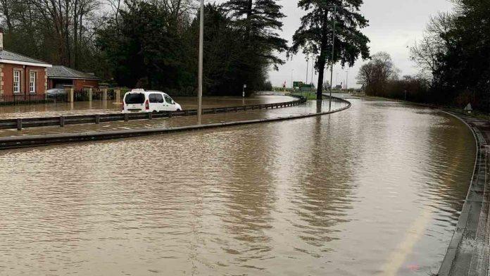 Storm Christoph brings 'danger to life' flood warnings, Report