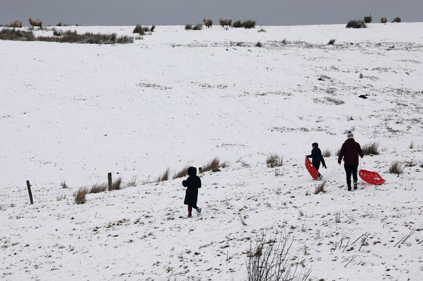UK weather Update: Met Office issues warning as snow and ice forecast this weekend