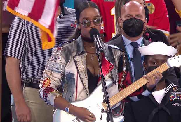 """Watch H.E.R. Perform """"America the Beautiful"""" at Super Bowl 2021 (Video)"""