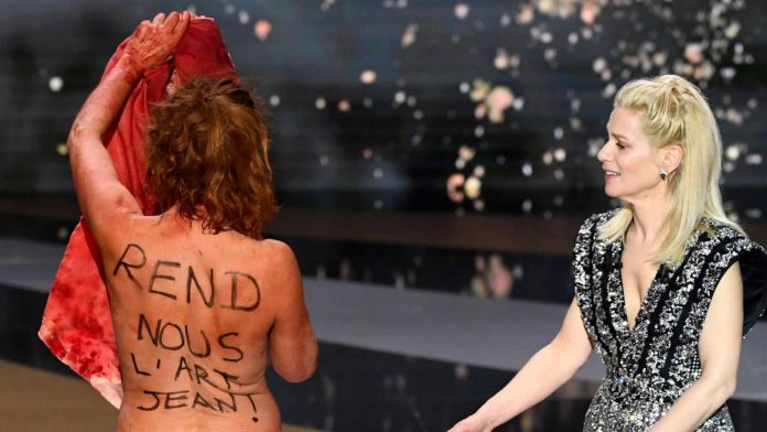 Corinne Masiero: French actress strips for culture during Cesar Awards ceremony
