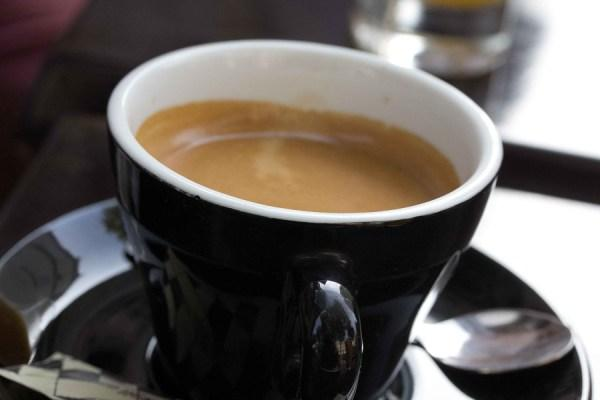 Study: A strong coffee half an hour before exercising increases fat-burning
