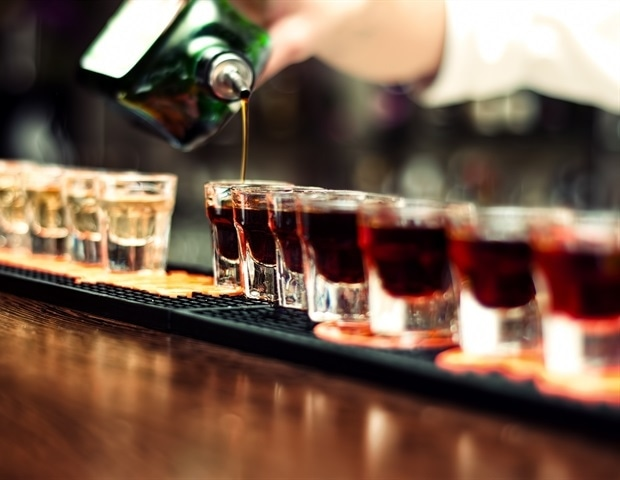 New research examines social network's relation to binge drinking among adults