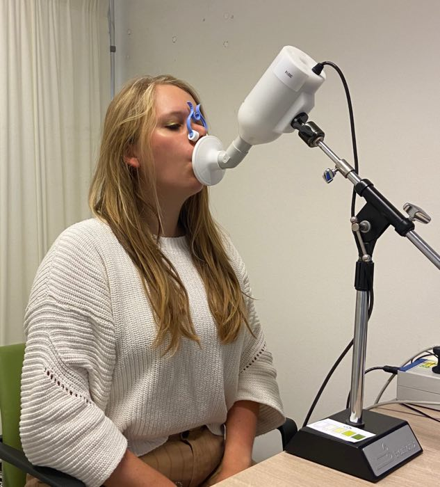 Electronic nose can sniff out when a lung transplant is failing (Reports)